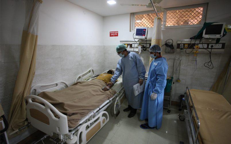 Doctors treat COVID-19